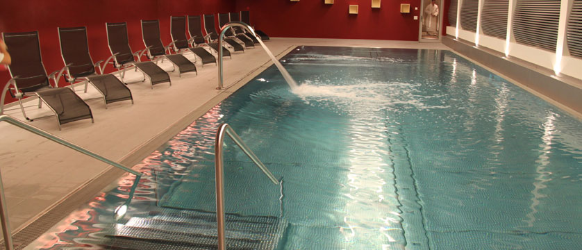 Switzerland_Zermatt_Hotel-Mirabeau_Indoor-pool.jpg